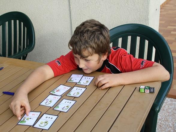 Sdp troubles neurovisuels et dys apprendre les tables for Comment apprendre les tables
